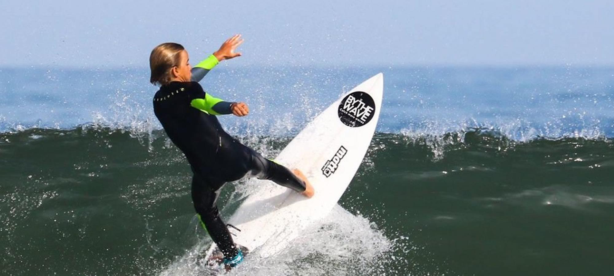 BYTHEWAVE - Energy - Surf - Yoga - Pilates - Ecole de Surf Messanges